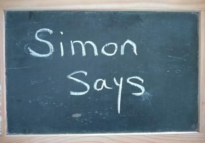 """Jouer à """"Simon Says"""" pour réviser le vocabulaire anglais en s'amusant"""